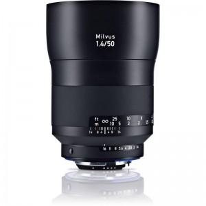 Zeiss Milvus 1,4/50 ZF.2 Nikon-DEMO - ZEISS2096556D (priložena sončna zaslonka, premer filtra 67mm,)
