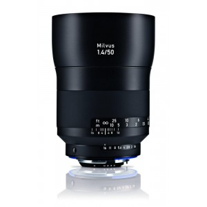Zeiss Milvus 1,4/50 ZE Canon - ZEISS2096-557 (priložena sončna zaslonka)
